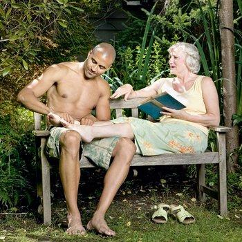 Смотри видео с бабушками, старухами онлайн